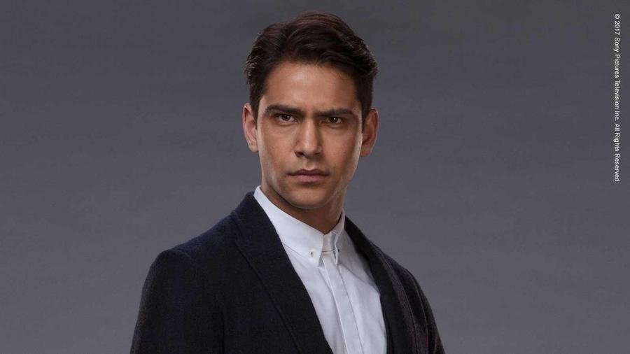 Luke Pasqualino als Albert Hill